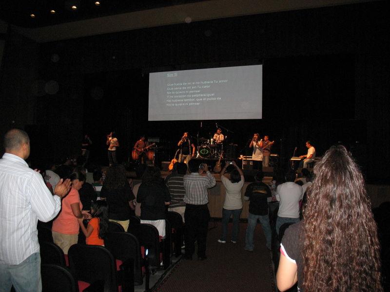 PraiseFest 2008 004
