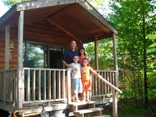 Family_at_cabin_706