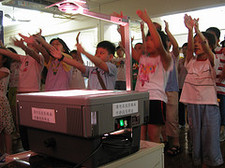 Children_worshiping